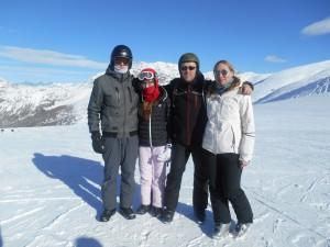 rodzina na nartach
